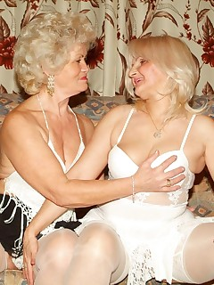 Hot lesbians sex with two elderly Francesca and Erlene taking turns on a double ended dildo