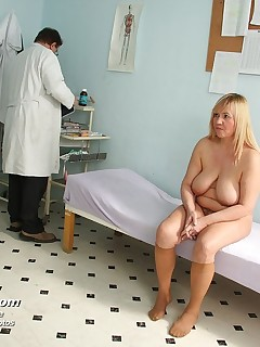 Irma  milf vag medical instrument gyno test at clinic