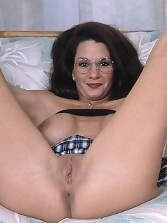hot old lady fuck herself with long dildo