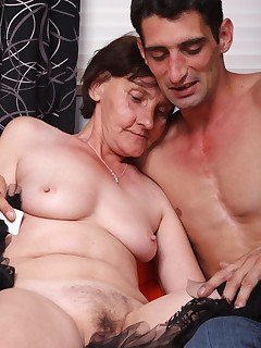 Experienced older woman Stephanie removes her dentures to perform an insanely hot blowjob