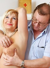 Old Jarmila  spreads her elder twat wide for gyno physician at clinic