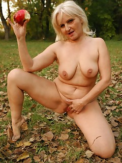 Hot outdoor granny fuck with Mandy taking cock ramming in her lustful mature pussy