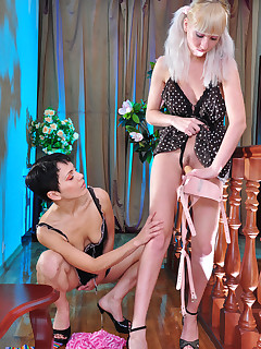 Pissed off mature pounding a naughty blonde lass with her big strap-on tool