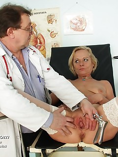 Aged wife Ladislava ) gets twat pussy spreader examined at gyno clinic