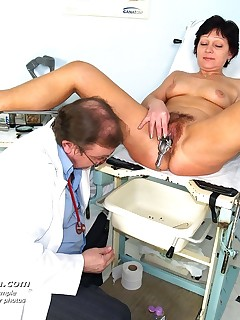 Older wife Eva ) gets piss hole gyn tool examined at gyno clinic