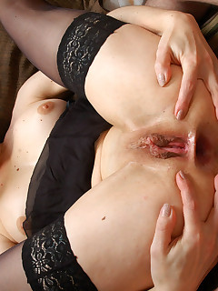 Mischievous milf toying her asshole making it ready for real anal onslaught
