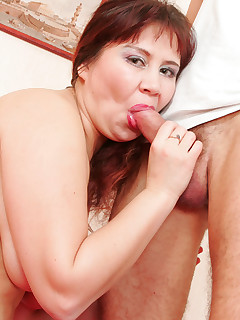 Chubby mature redhead deepthroat blowjob, hardcore fuck and gaping asshole gallery