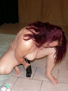 Old slut having dildo fun