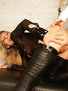 Teeny mistress fists and dildo fucks a mature nymphoid slut