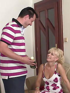 His dad fingers his girlfriend and gropes her sexy titties before mom plays with her