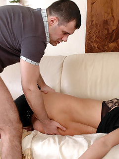 Hot-assed babe put to sleep enabling a tricky guy lick and jizz her booty