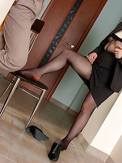 Sizzling hot mature gal getting her black sheer-to-waist pantyhose creamed