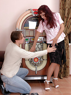 Salacious mature chick doesn't miss any minute going for pantyhose fucking