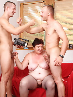 Doggy style and riding a hard dicks are this hot granny\'s favorite fuck