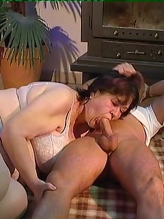 Huge housewife fucked in the furry cunt