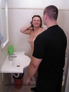 Young guy used hot mature whore in the best way right in toilet