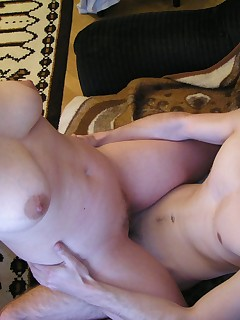 Younger guy fucks homely Czech MILF in her own appartments