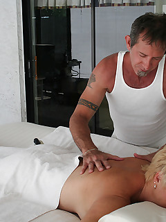 Tracy gets an erotic massage from a site member Vic