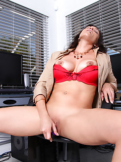 Sex starved Raven LeChance shoves a vibrator deep into her pussy