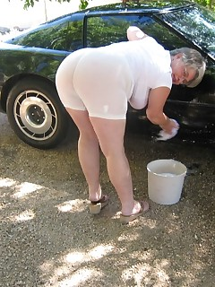 Washing the corvette in my girdle and tshirt Wet can be such a beautiful thing Lets get there together Make that precum ooze from your cock as i get you hard..