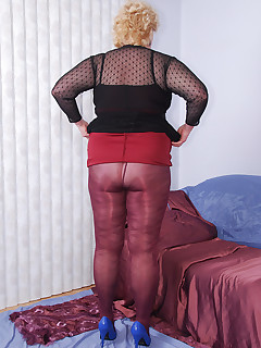 These plum pantyhose have an interesting design and it goes well with my new plum and black lacy dress  Later on I rip open the crotch of my pantyhose and..