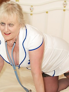 Naughty Nurse Claire is here waiting for you guys to come for your annual checkup so dont be shy get your kit off and lay on the bed I promise I will be..