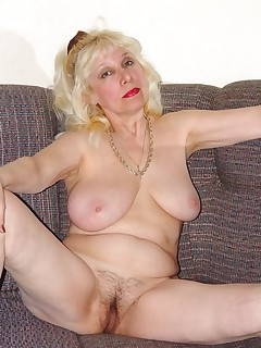 mature blonde during her private acrobatic acts