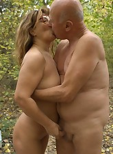 Sassy grandma Anna Mary naked outdoors and taking intense pussy plowing from a horny grandpa live